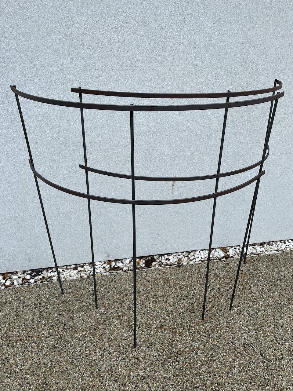 Basic Plant Support Half Round - The Gardeners Blacksmith - Jonne Ceserani